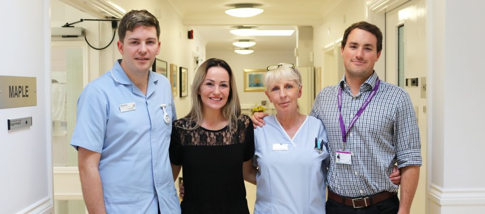 Classical crossover soprano Keedie Grren performs for Rowgroft Hospice patient